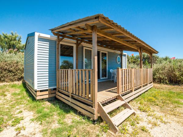 les h bergements du camping camping la brise. Black Bedroom Furniture Sets. Home Design Ideas